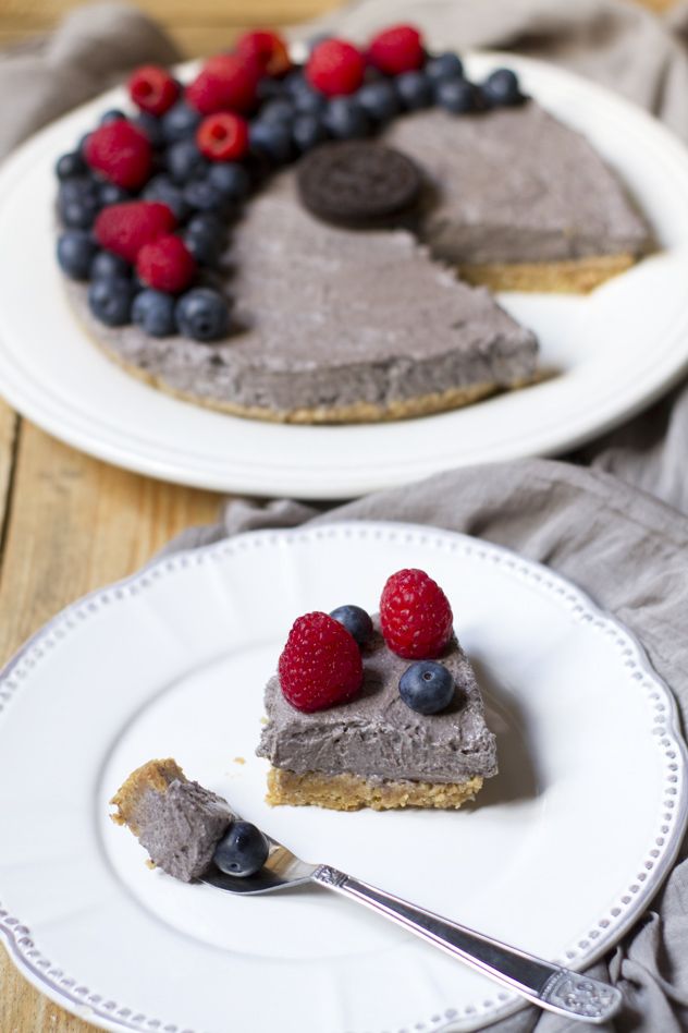 Cheesecake fredda agli oreo e frutti di bosco_06