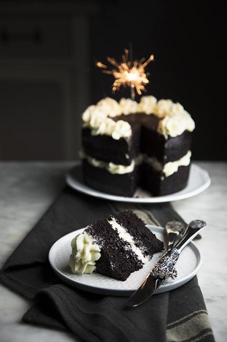 torta al cioccolato con crema al cioccolato bianco