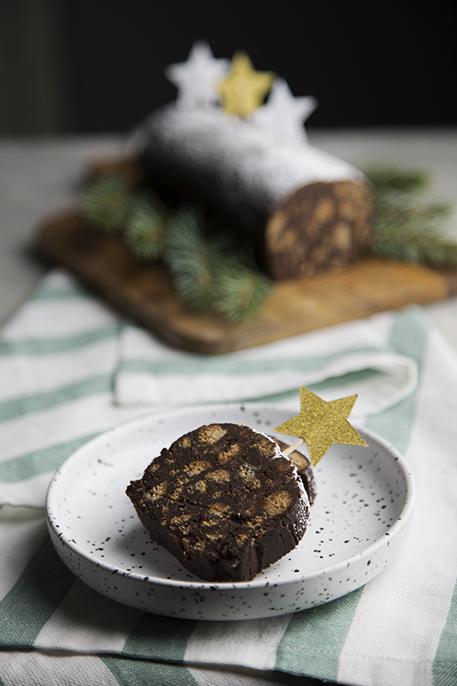 Salame di cioccolato natalizio (senza uova e burro)