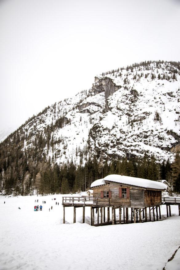 5 accessori indispensabili per la montagna