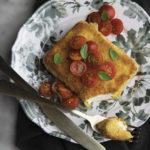 Feta impanata con pomodorini pronta in 10 minuti