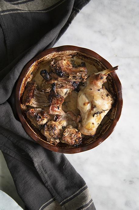 Coniglio arrosto al forno morbido e succoso