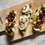 Crostoni estivi con funghi (con e senza cottura)