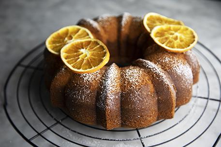 Torta alla panna e arancia: ricetta per la colazione